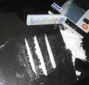300px Coca%C3%AFne  - Cocaïne