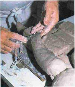 Roger Capron modelage en franche sculpture. 260x300 - Le modelage et le sculpteur