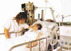 img138 300x218 - Soins postopératoires et rééduction fonctionnelle Juste après l'intervention : Juste après l'intervention