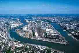 Le fleuve et lieu d activités industrielles - Le fleuve et la ville