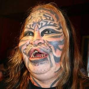 dennis avner piercing tatuaggi gatto - L'homme chat