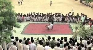 20120303110155alarab190202012 2220 300x163 - Un danseur pas comme les autres