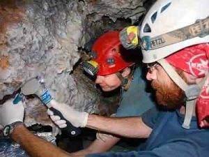 bacteries resistantes grotte 300x225 - Des bactéries résistantes aux antibiotiques découvertes dans une grotte isolée