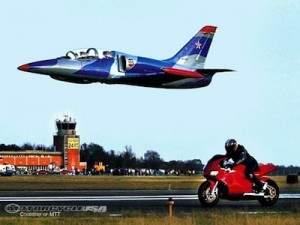 fastest motorcyle UK 300x225 - Le plus rapide moto dans le monde