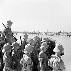 280px BritsLookingOnBaghdad1941 - L'histoire politique mouvementé de Bagdad