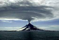augustine - Les volcans en Amériques: Alaska - Etats-Unis