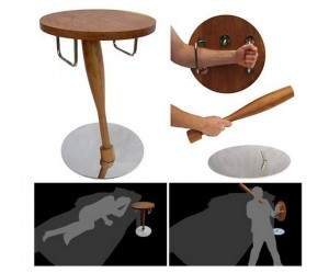 joli1 300x249 - Table de nuit anti-Zombie
