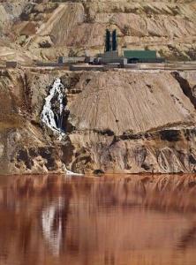 Le lac qui tue toute personne qui s'en approche