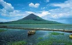 momotombo - Les volcans en Amériques: Nicaragua