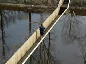 Pont sous l'eau
