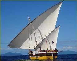 tour monde bateaux traditionnels boutre L j4PGdA - Choix des formes,connaissances technique et division du travail dans le monde traditionnel