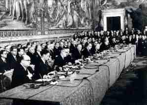 La constitution de lEurope des Neuf 300x213 - La crise des blocs