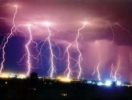002 - De l'orage dans l'air