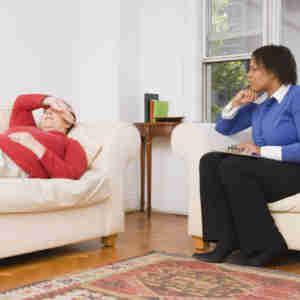quelle est la difference entre un psychanalyste et un psychiatre 3392167xsfql 2041 300x300 - Une approche thérapeutique de la honte: La médiation des images