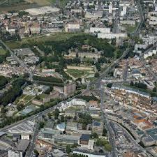 """352 - Nîmes: un projet,""""cent"""" maitre d'ouvrage"""