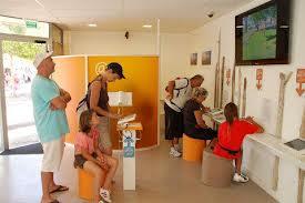 acceuil office de tourisme1 - Comment le visiteur, perçoit-il l'office de tourisme ? Quelle est son image auprès du public ?