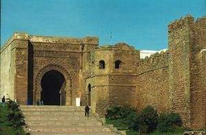 porte de la casbah almohade des oudayas c3a0 rabat 300x197 - L'empire almohade