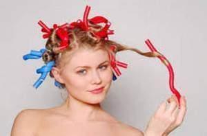 permanente 300x198 - Les differentes techniques utilisées en coiffures : La permanente