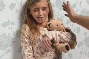 maltraitance d enfants 300x200 - Maltraitance enfants