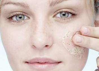 le gommage du visage un soin essentiel - Le gommage du visage, un soin essentiel